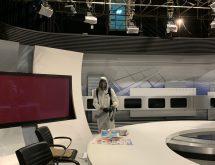 Προληπτική απολύμανση κατά του κορνοϊού σε στούντιο της ΕΡΤ