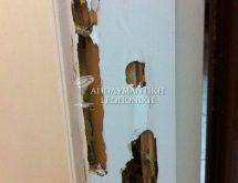 Ζημιά από τερμίτες σε κούφωμα πόρτας