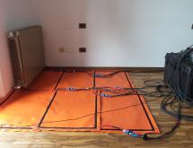 Εφαρμογή θερμικής καταπολέμησης σε ξύλινο πάτωμα