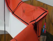 Εφαρμογή θερμικής καταπολέμησης σε σκάλα με ξύλινη κουπαστή