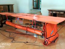 Εφαρμογή θερμικής καταπολέμησης σε ξύλινο τραπέζι